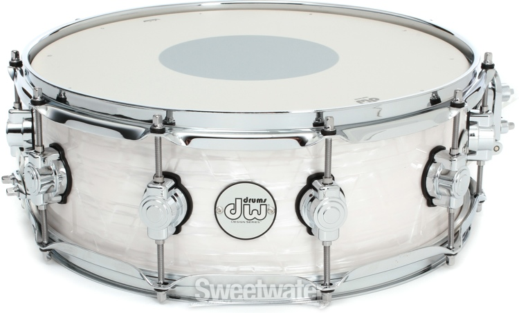 dw design series frequent flyer drum kit review by sweetwater sweetwater. Black Bedroom Furniture Sets. Home Design Ideas