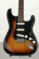 Fender Deluxe Stratocaster - 2-color Sunburst with Rosewood Fingerboard