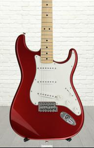 Fender Standard Stratocaster - Candy Apple Red, Maple fingerboard