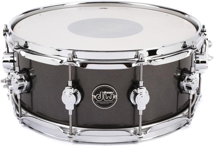 dw performance series snare drum 5 5 x14 gun metal metallic lacquer. Black Bedroom Furniture Sets. Home Design Ideas