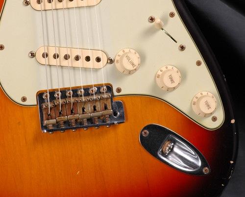 MODS & SET UP: Adjusting Vibrato Bridge Angle