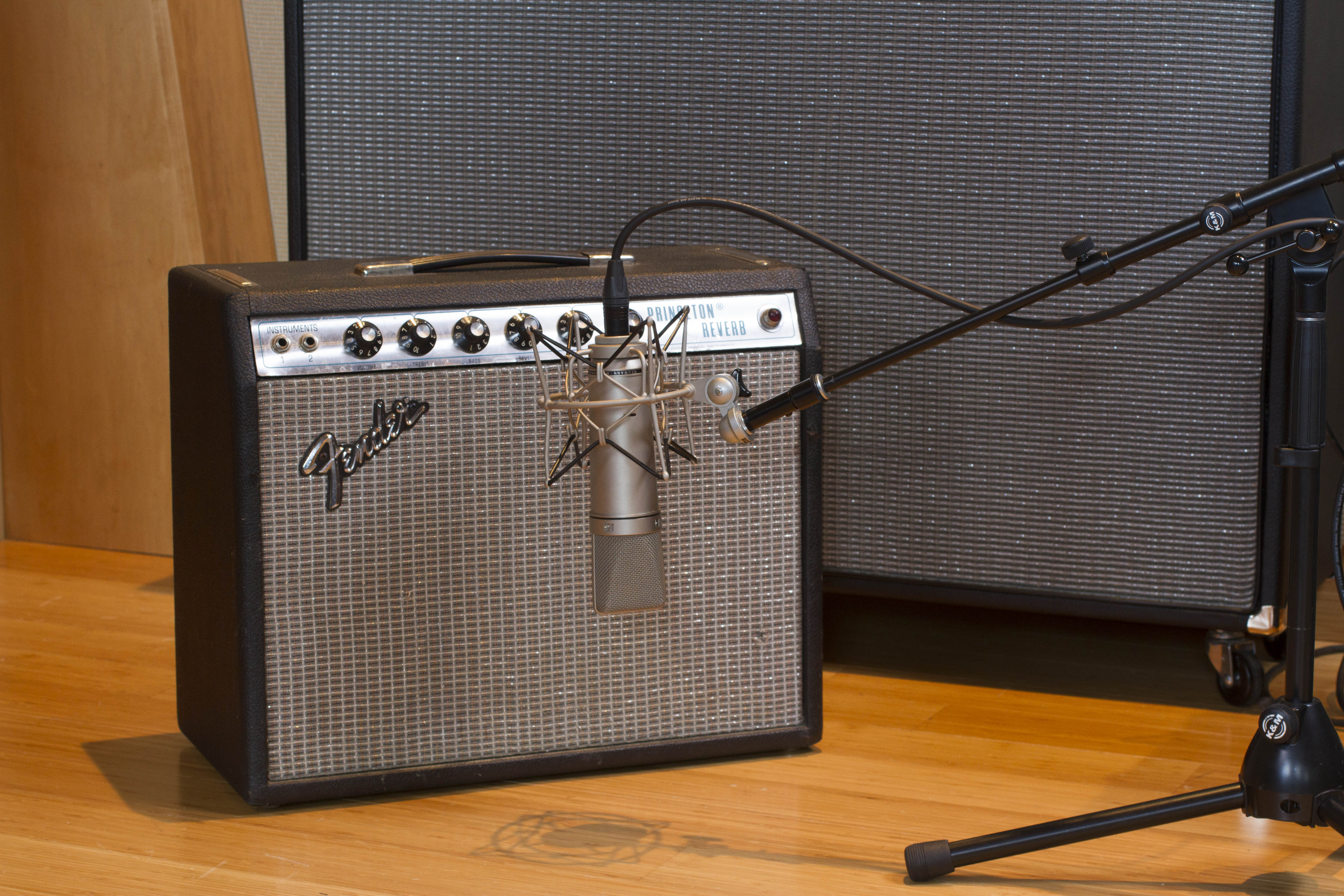 Feature Recording Guitar With Ken Scott Sweetwater Mic Condenser Amplifier