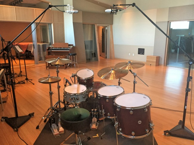 how to mic drums for recording part 2 four microphones. Black Bedroom Furniture Sets. Home Design Ideas