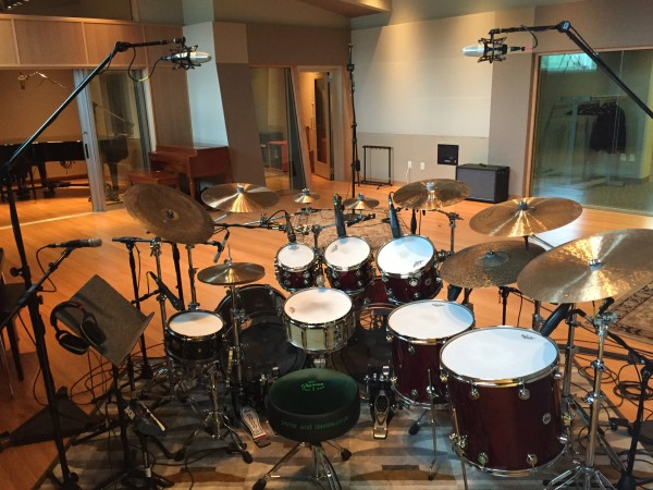 how to mic drums for recording part 3 multiple microphones sweetwater. Black Bedroom Furniture Sets. Home Design Ideas
