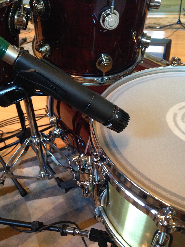 how to multi mic your snare drum sweetwater. Black Bedroom Furniture Sets. Home Design Ideas