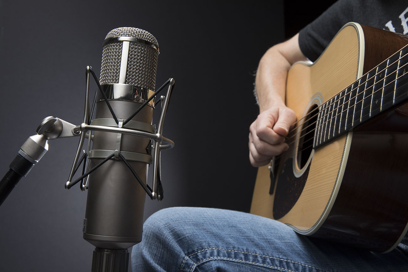 Acoustic Guitar Recording Techniques Of The Pros Sweetwater