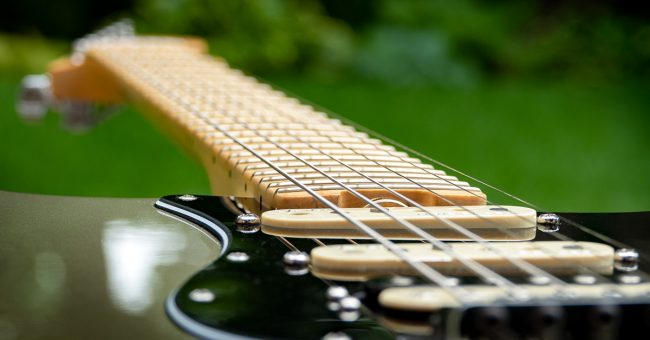 What Is Fingerboard Radius Sweetwater