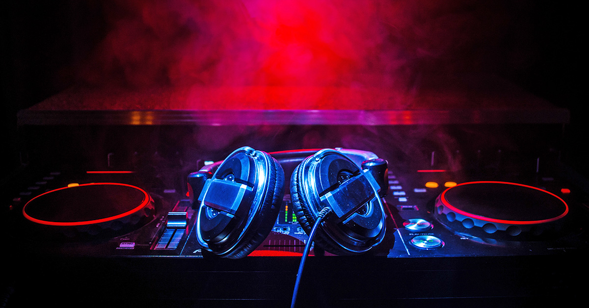 How To Light Your Dj Facade Sweetwater