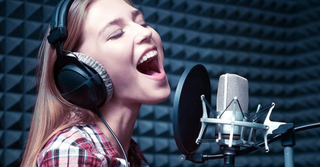 Best Microphones for Singing | Sweetwater