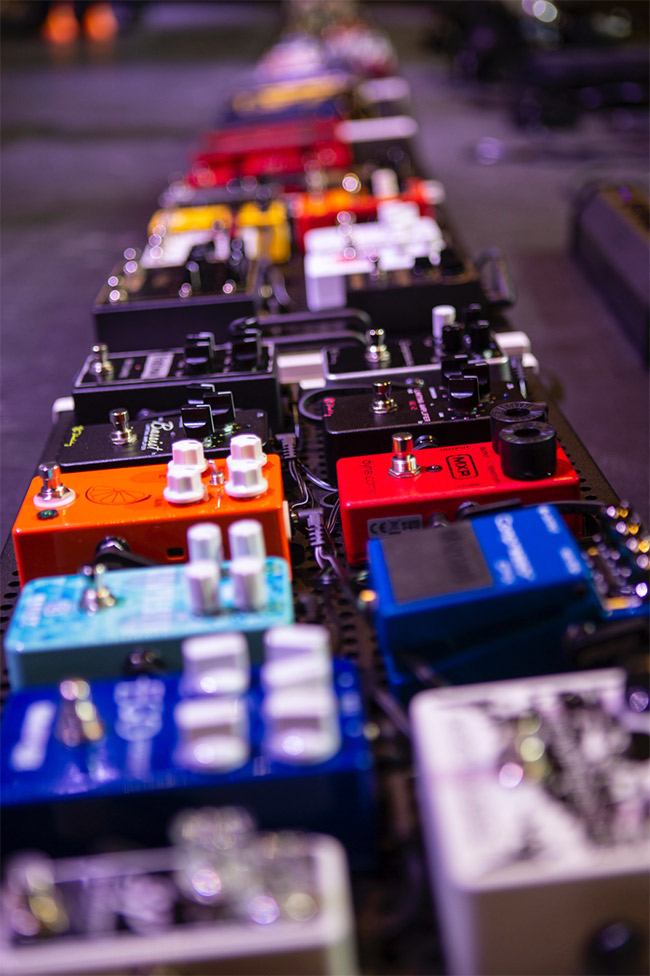 Creating the World's Largest Guitar Effect Pedalboard – The