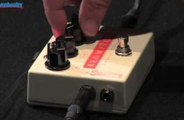 Red Witch Empress Chorus Effects Pedal Demo
