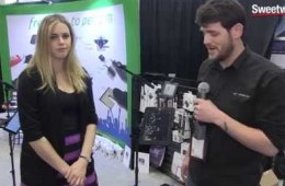 AirTurn Go Mic Stand – Sweetwater at Winter NAMM 2015