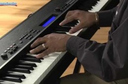 Yamaha CP4 Stage 88-note Wooden Key Stage Piano Demo
